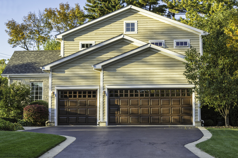 5 Questions to Ask When Buying a New Garage Door