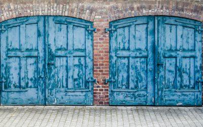 5 Simple Garage Door Ideas to Update Your Home