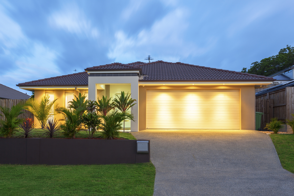3 Ways Garage Door Lighting Can Increase Curb Appeal